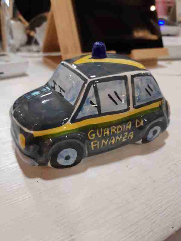 Fiat 500 Guardia di Finanza in Ceramica
