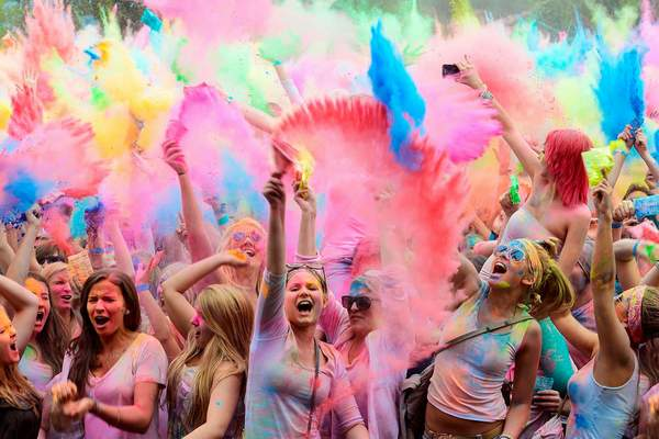 Holi-Festival-girls
