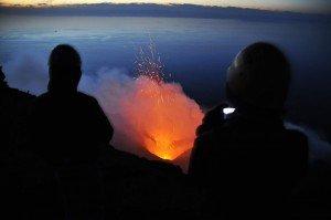 Am Gipfel des Stromboli - Blick auf die aktiven Krater
