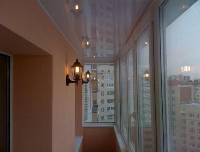 Strækloft på altanen