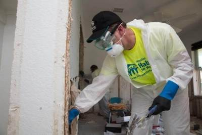 On National Day of Service, Habitat leaders join volunteers in Houston