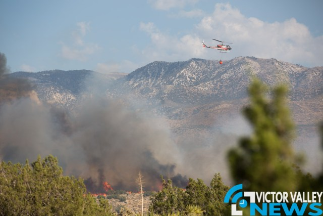 High winds have caused the fire to quickly burn. (Gabriel D. Espinoza, Victor Valley News)