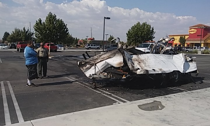 Mendoza's trailer is a complete loss following a fire in the Bed Bath & Beyond parking lot. (Photo by Rogelio Jorge Morfin Jr.)