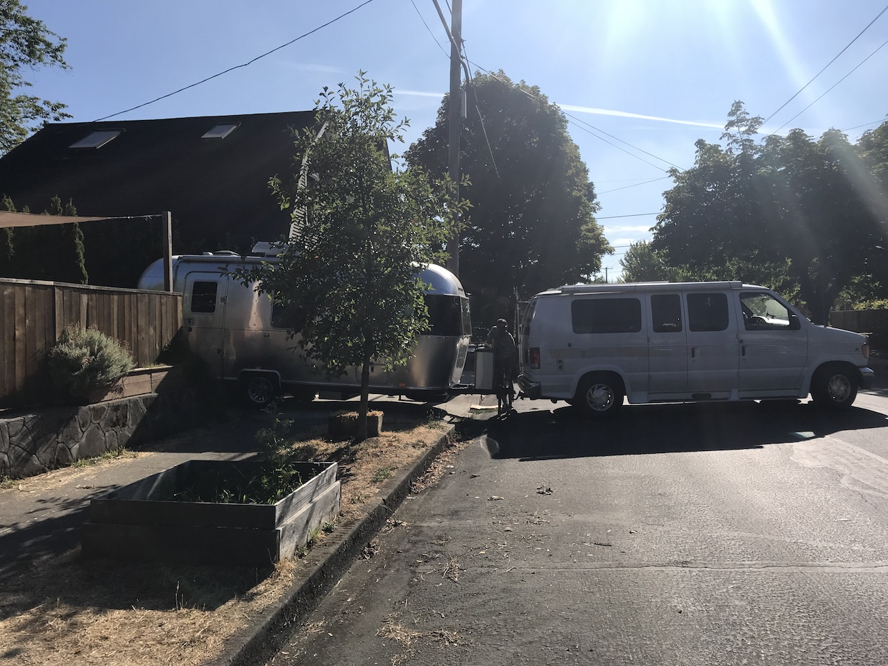 Giving our Airstream a lift – Wacky Wanderers