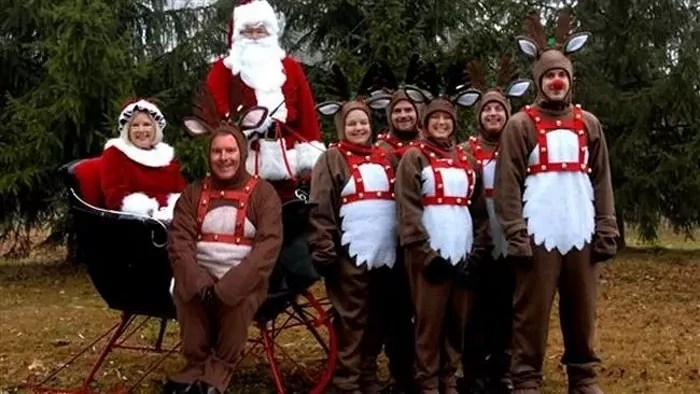 The 50 Most Awkward Family Christmas Photos That are Hilarious -01
