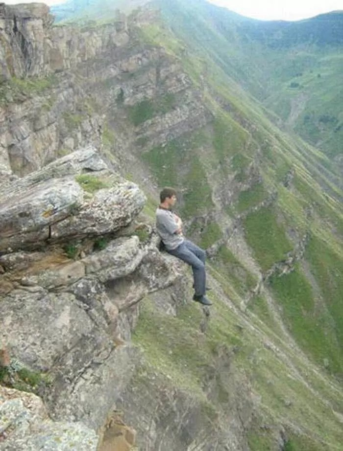 Awesome Crazy Guy That Loves Rock Climbing - 4 Pics -04