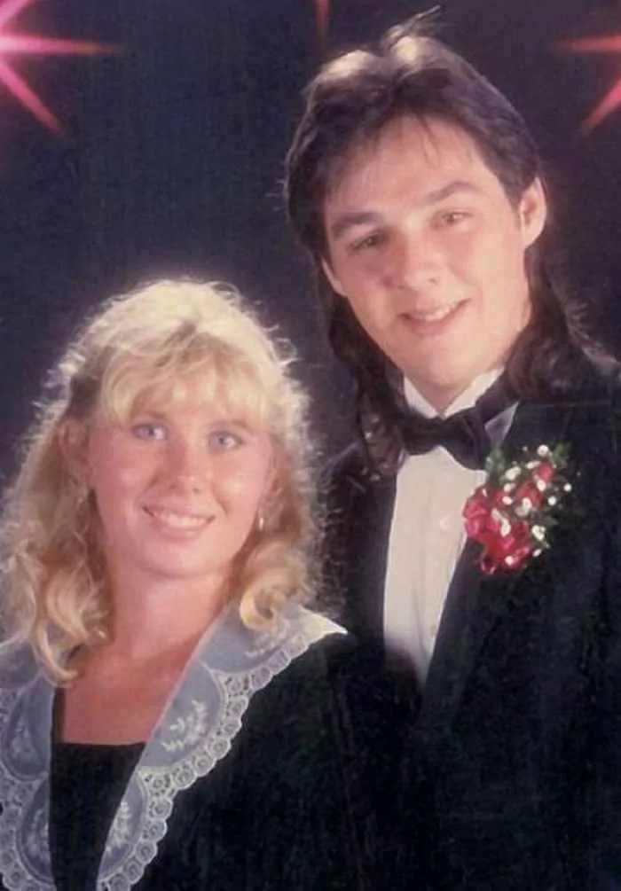 50 Ridiculous 80's Prom Photos That Will Make You Laugh -05