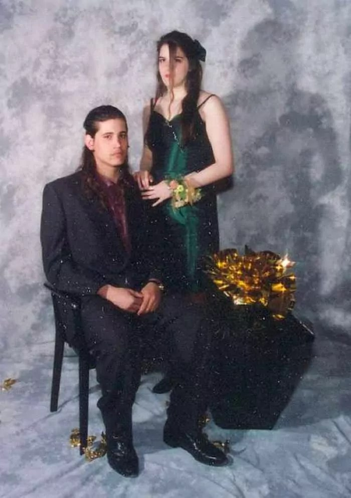 50 Ridiculous 80's Prom Photos That Will Make You Laugh -13