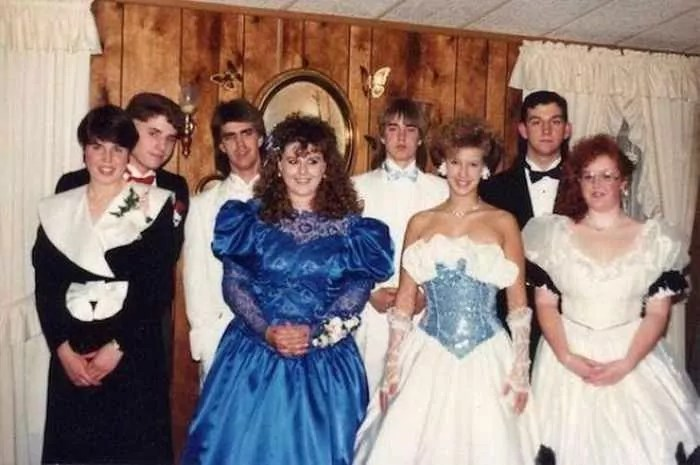 50 Ridiculous 80's Prom Photos That Will Make You Laugh -38