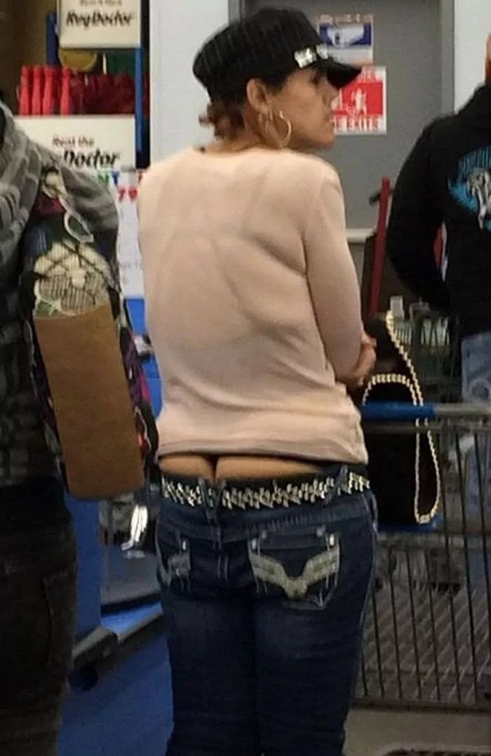 50 Ridiculous People of Walmart That Are on Another Level -09