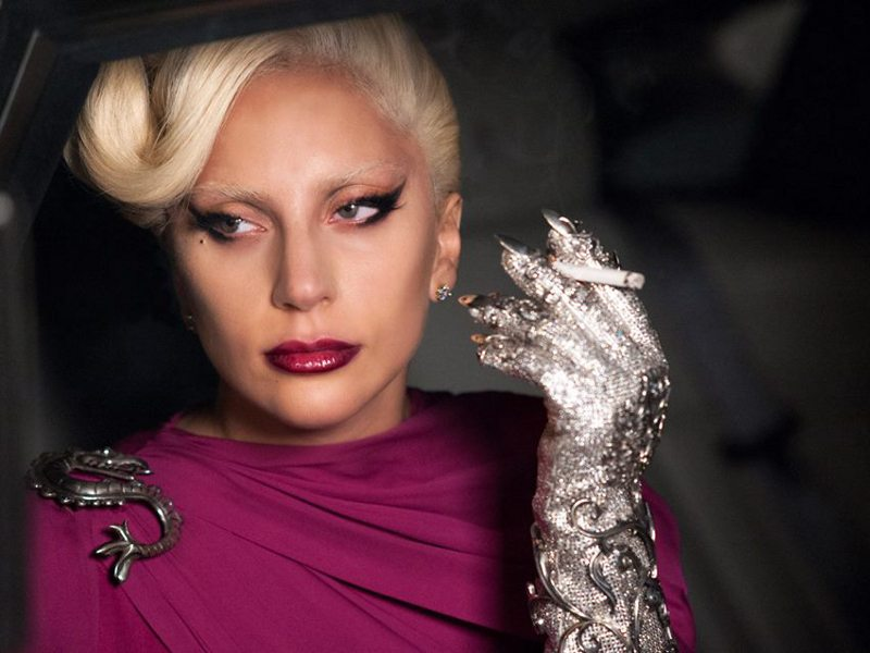 lady-gaga-as-the-countess