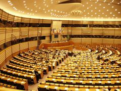 The inside of the European Parliament in Brussels in January 2006. Image by WL / wikipedia.de