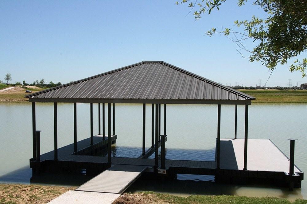 4-foot-double-slip-hip-roof-dock-floats-townelake-01 | Wahoo Docks