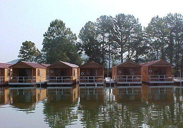 aluminum floating cabins by wahoo aluminum docks commercial marine construction division Wahoo Marine