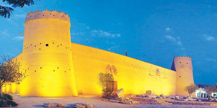 قصر المصمك واهميته التاريخيه والحضاريه قصير لغتي موقع واجباتي