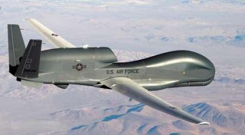 إيران: طائرة مسيرة أخذت لقطات دقيقة لحاملة طائرات أمريكية في الخليج
