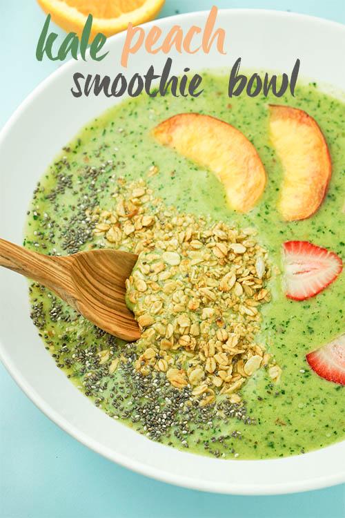 INCREDIBLE Kale Peach SMOOTHIE BOWL! #vegan #kale #peach #smoothiebowl | www.wakeuptowaffles.com