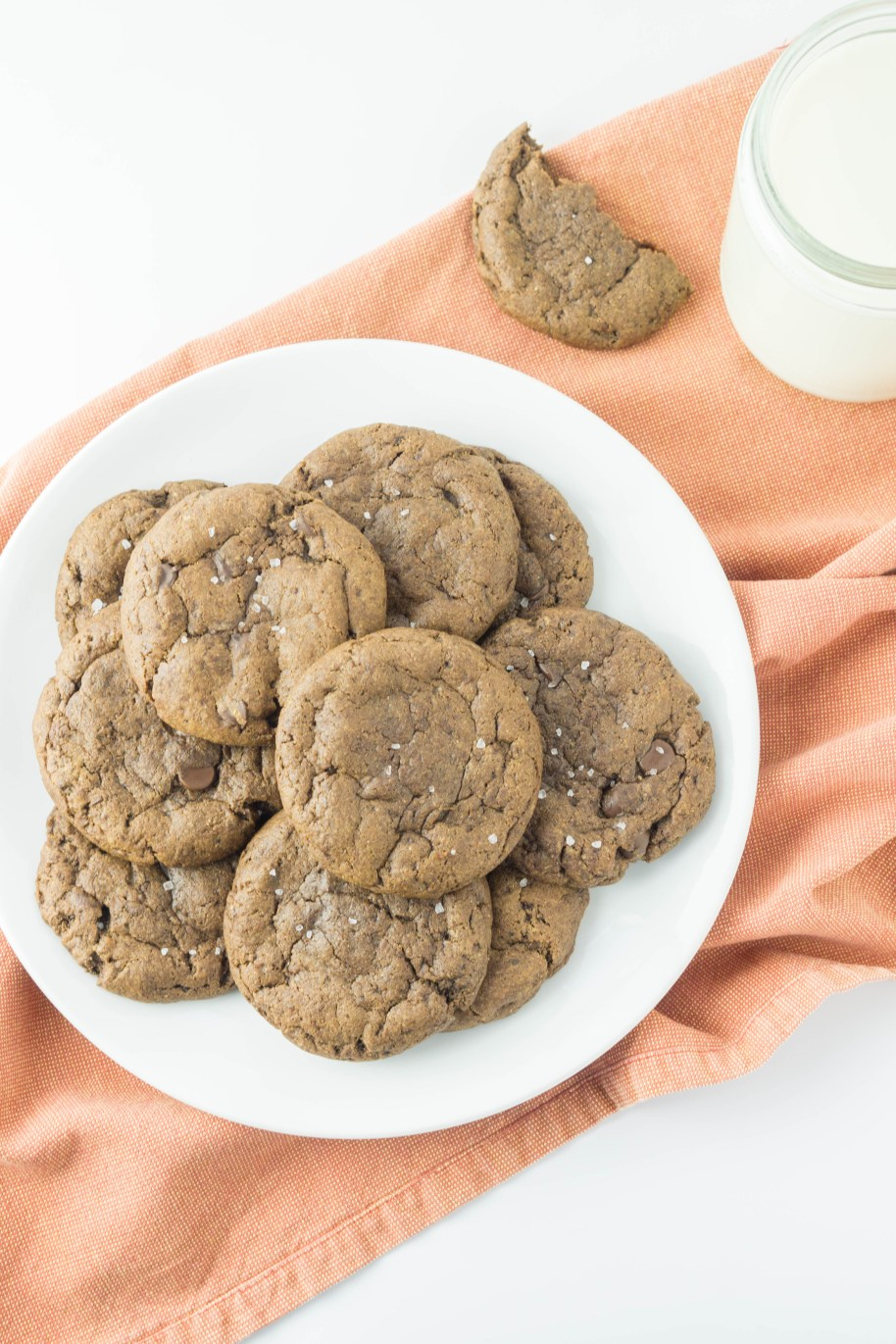 Healthy Double Chocolate Fudge Sea Salt Cookies! #coconutoilcookies #chocolatecookies #wholewheat #seasalt | www.wakeuptowaffles.com