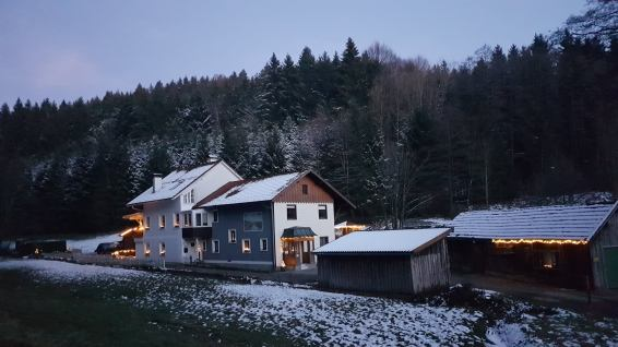 Winter am Ferienhaus Sacherl