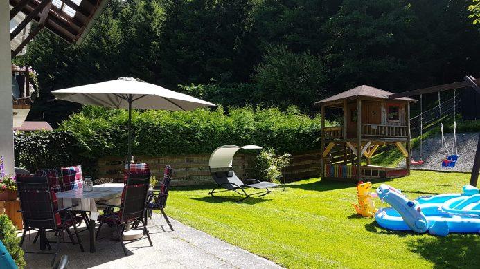 Terrasse Ferienhaus Sacherl Wald Kobel