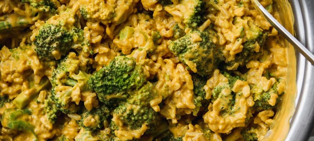 Vegan Cheesy Broccoli Rice (Stovetop Recipe)