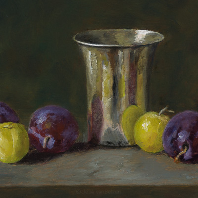 Silver beaker with Reine Claude plums