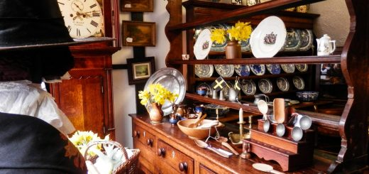 Lamplite Antiques Welshpool