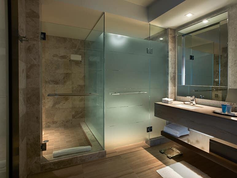 verre pour cloisons de douches
