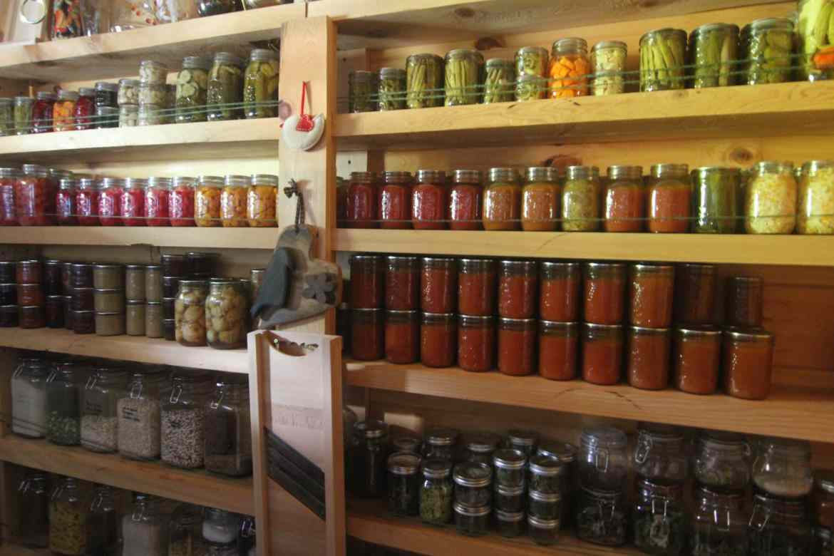 The homesteaders grocery store