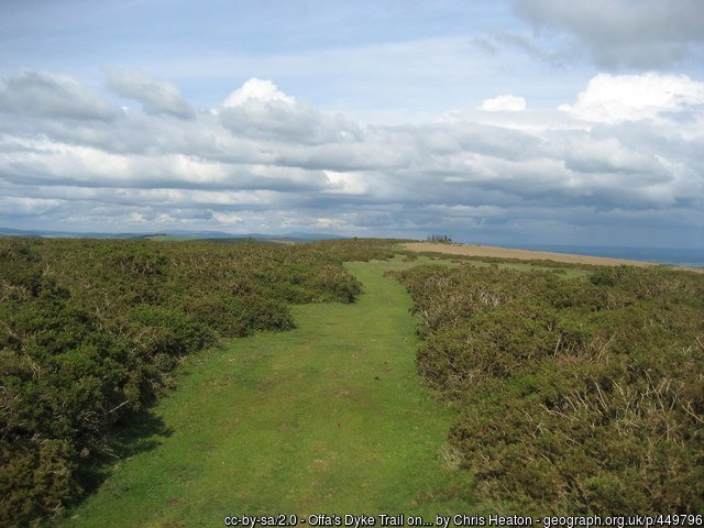 Offa's Dyke fromY Gelli Gandryll / Hay-on-Wyeto Kington