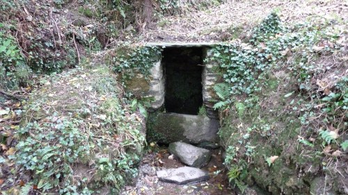 Walks And Walking St Just Church Roseland Cornwall Holy Well