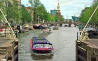 A guide to walking holidays in Amsterdam - river