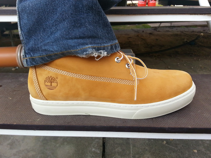Walks And Walking - Timberland Earthkeeper Newmarket Boots