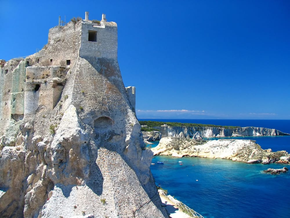 10 of the Most Beautiful Castles in Italy