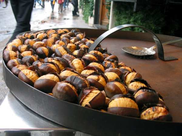 Chestnuts, an autumn and winter Italian food specialty