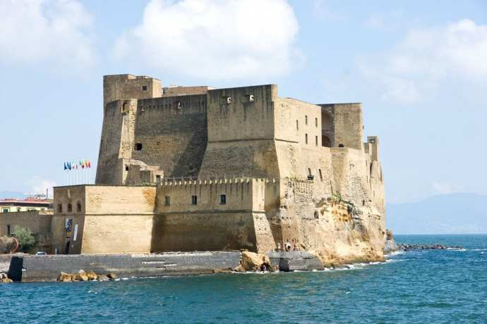 Castel dell'Ovo in Naples, an easy (and fascinating!) day trip from Rome
