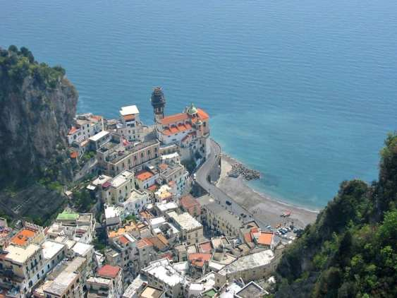 Atrani, a serene and charming town on the Amalfi Coast. Photo by Donar Reiskoffer (Wikicommons)