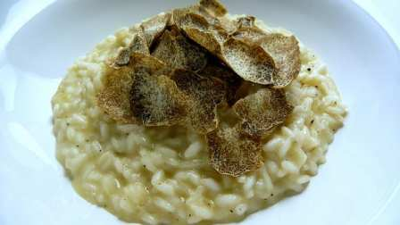 White truffle risotto (flickr: Blue moon in her eyes)