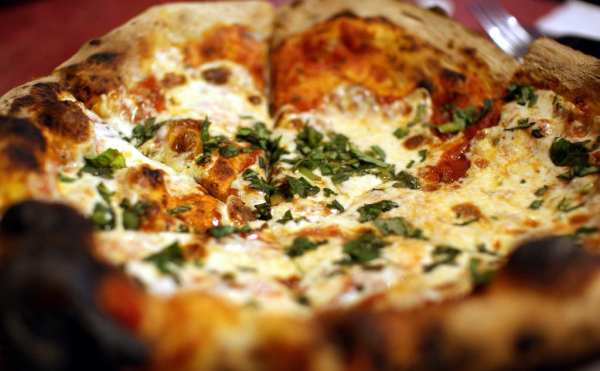 Naples Pizza, the best of Italian food