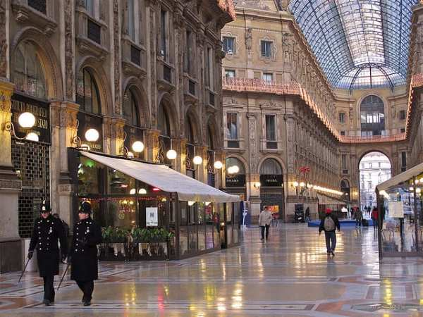 Winter brings a chance to see the Galleria without the usual crowds. Photo by Gabriele Barni