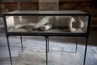 A Pompeii death cast, by Walks of Italy.