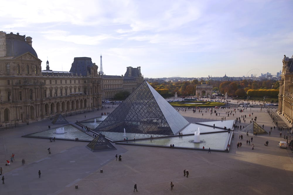 louvre_ext_sm-copy