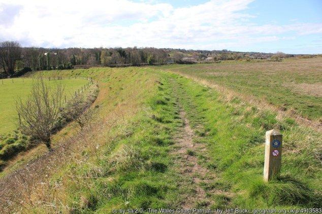 Walk the Wales Coast Path North Wales - Fflint to Prestatyn