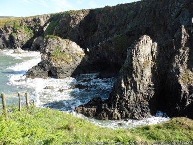 The Pembrokeshire Coast Path near Pwllcrochan
