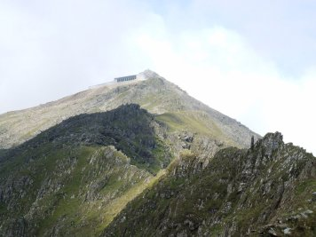 Pyg track walk up snowdon from Pen y pass