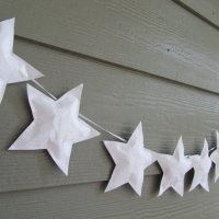 Paper star garland wall hanging