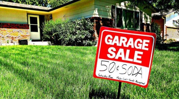 Garage Sale Credit Card sign