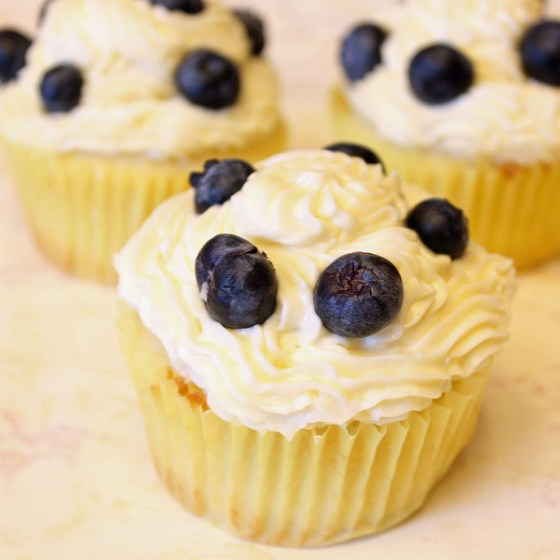 Summer Lemon Blueberry Cupcakes with Lemon Cream Cheese Frosting 2--082413