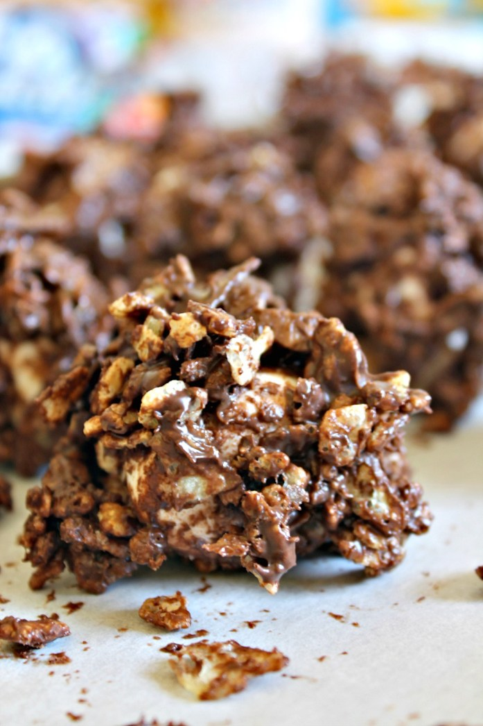 Peanut-Butter-Chocolate-Rice-Krispy-Jumbo-Marshmallows 12--050715