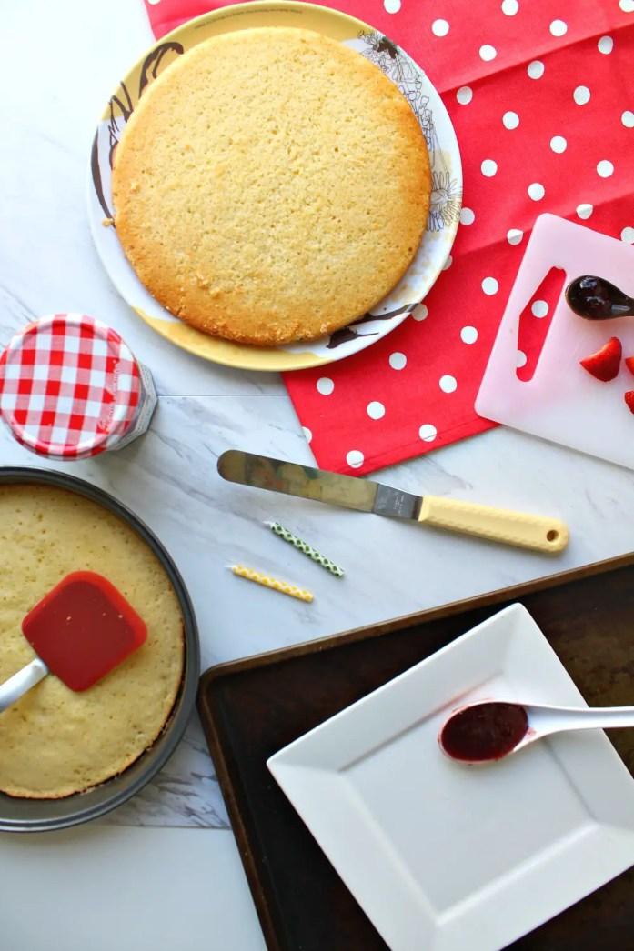 Victoria Sponge Cake 3--091116